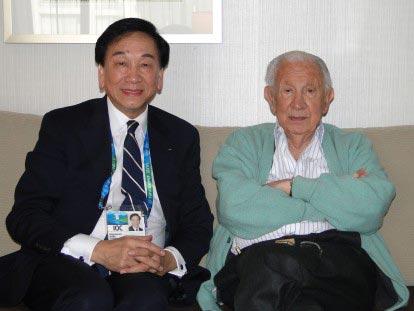 情同父子-对国际奥委会主席萨玛兰奇纪念文