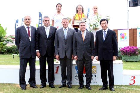 吴经国主席应邀出席世界杯射箭赛并颁奖