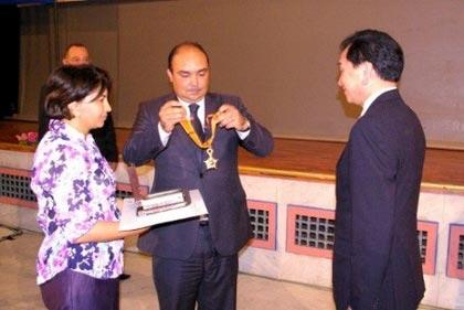 国际拳击总会主席吴经国获得摩洛哥国王颁发最高荣誉的皇家勋章